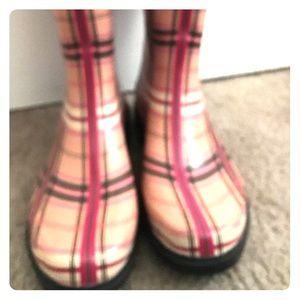 Xhilaration Rain Boots